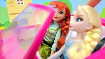 Disney Queen Elsa & Princess Anna Go to Barbie Malibu Car Wash - Water Play Toy Video Cookieswirlc
