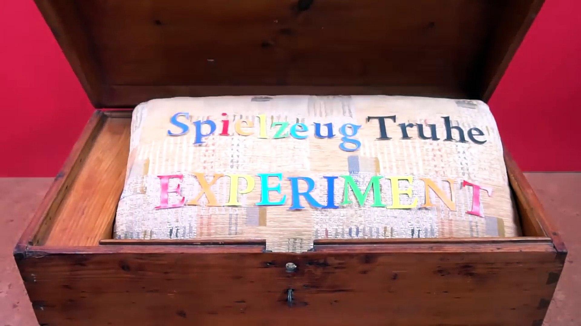 FAKE WURST ZERSCHNEIDEN - Was für SCHLEIM GLIBBER KNETE steckt darin ? Kinder EXPERIMENT deutsch