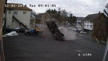 Un camion poubelle n'a plus de frein et vient s'ecraser en plein virage