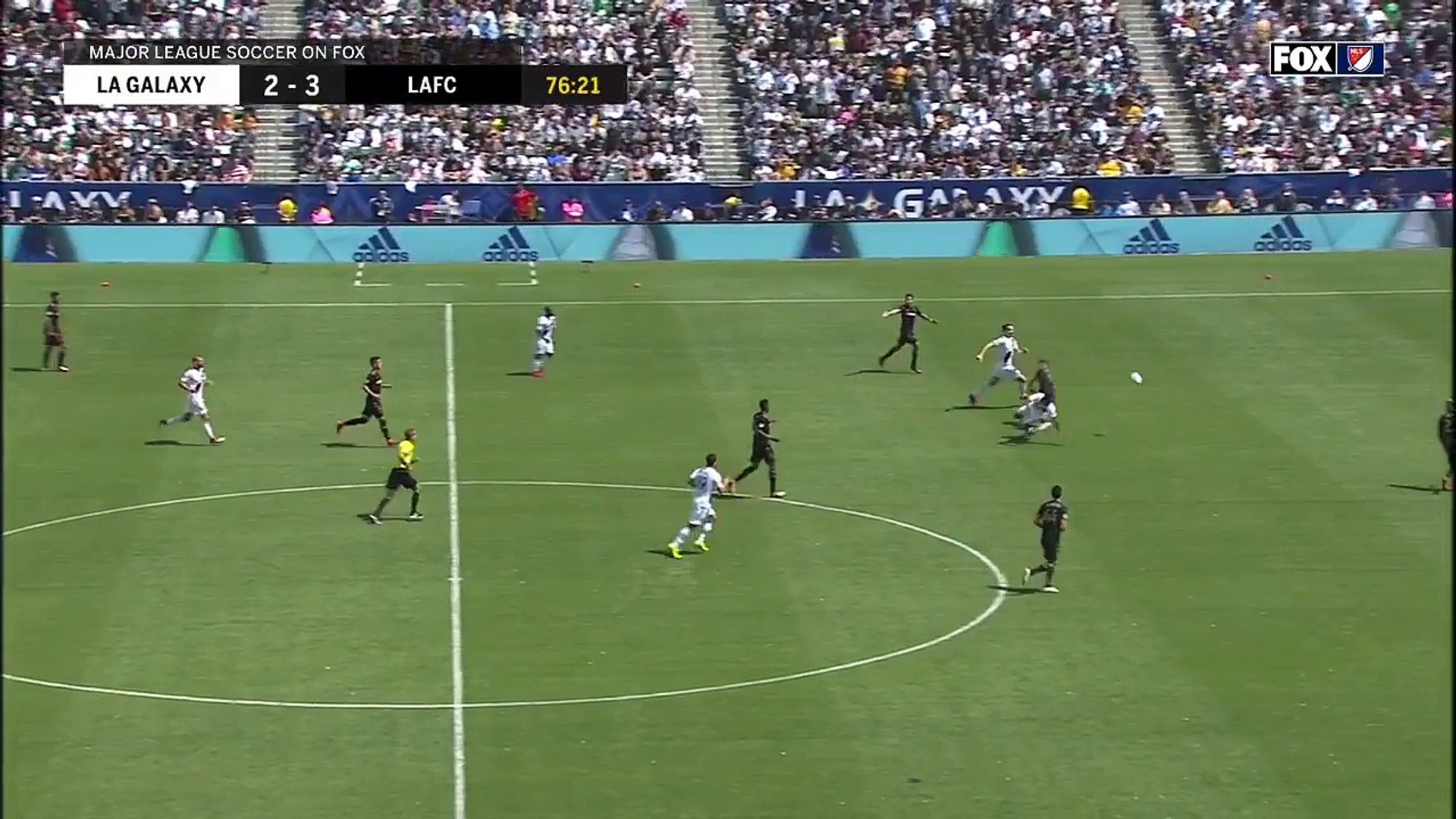 L'incroyable but de Zlatan Ibrahimovic pour son 1er match en MLS avec le Los Angeles Galaxy