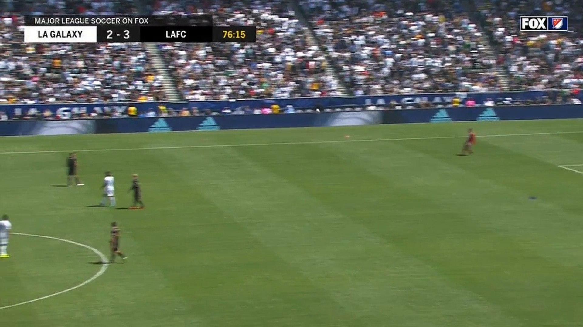 Zlatan Ibrahimovic signe ses débuts en MLS d'une magnifique reprise de volée