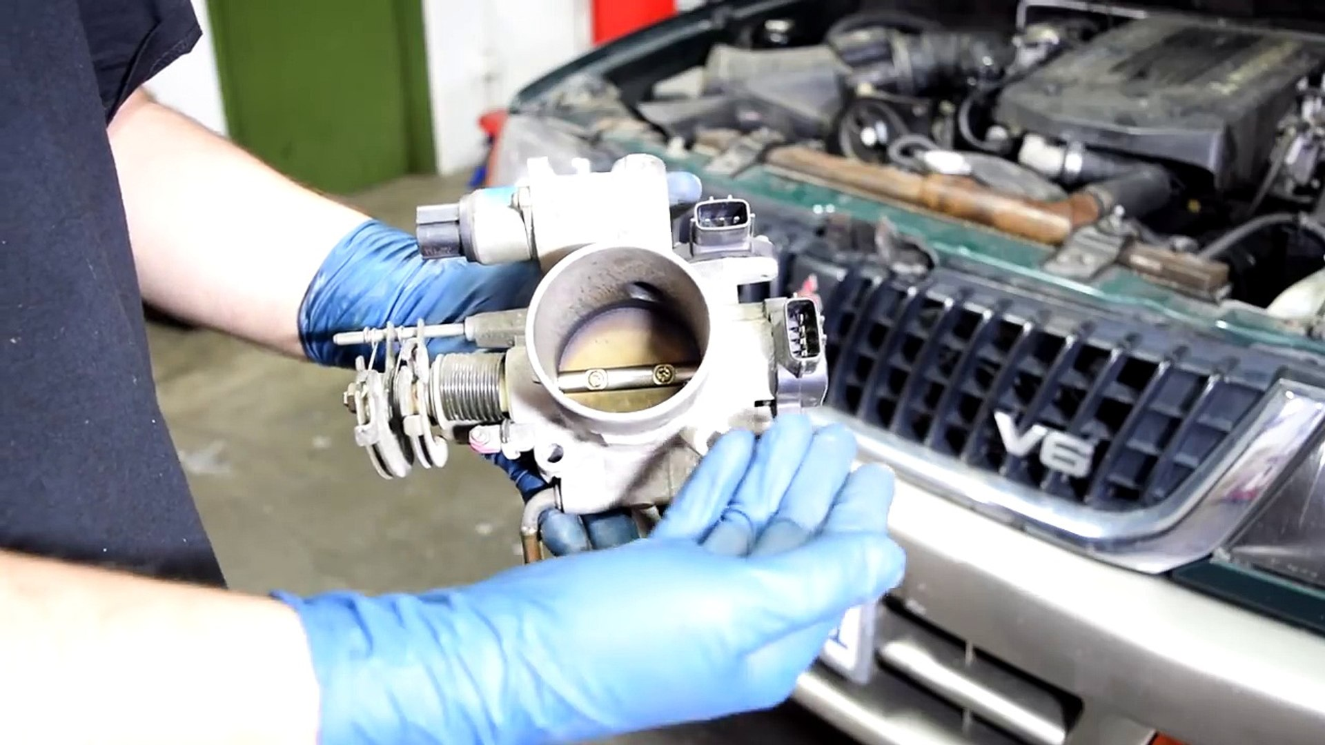 How to Clean a Throttle Body and Idle Air Control ( IAC ) Valve - Quick and  Easy