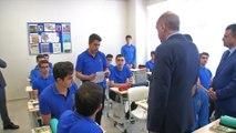 Cumhurbaşkanı Erdoğan, Akif İnan Anadolu İmam Hatip Lisesi'ni ziyaret etti - İSTANBUL