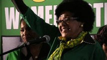 Sudafrica, addio a Winnie: l'ex moglie di Nelson Mandela