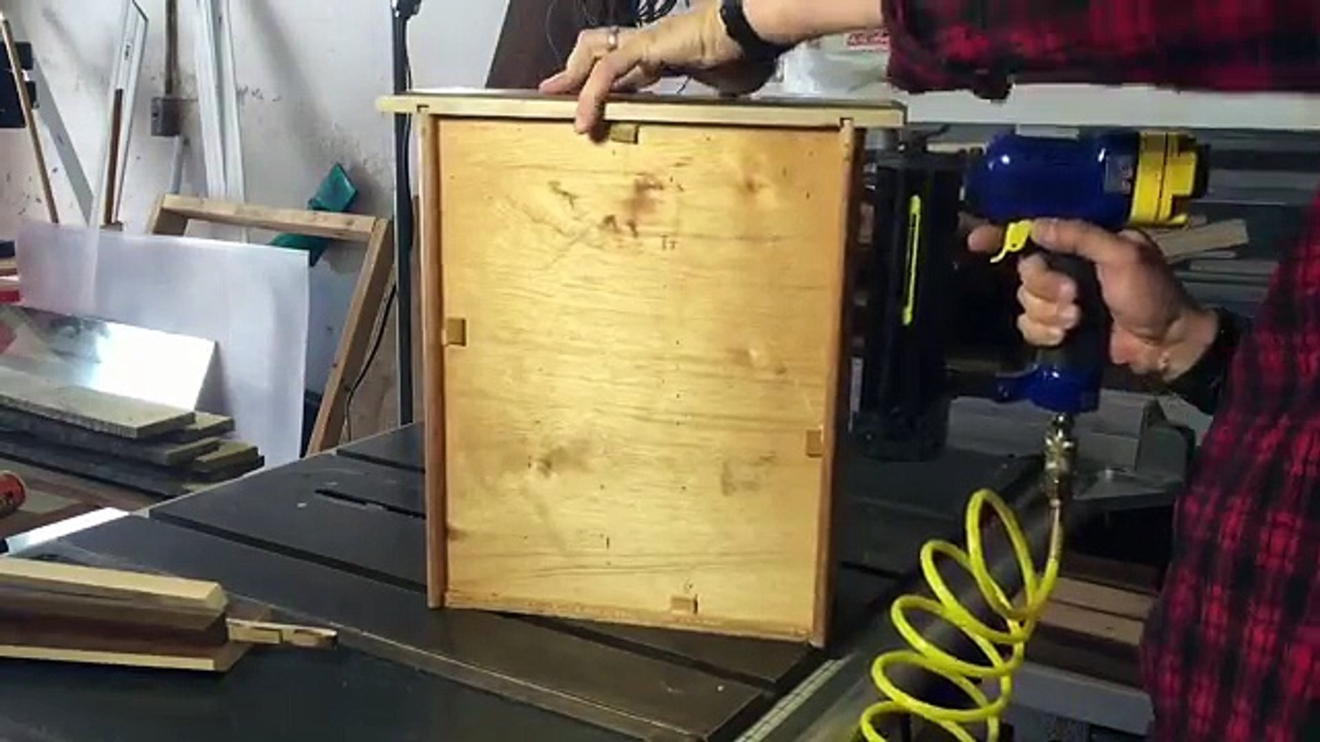 007 Recycle an Old Desk Drawer into a Shelf