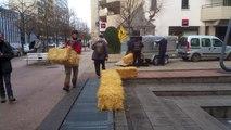 Les Faucheurs volontaires devant le tribunal de Dijon