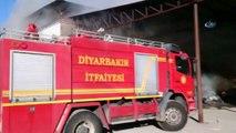 Diyarbakır Organize Sanayi Bölgesi birinci etapta bulunan bir kağıt ambalaj fabrikasında yangın çıktı. Tüm fabrikayı saran yangın nedeniyle olay yerine çok sayıda itfaiye ve ambulans sevk edildi. Dumandan etkilenen 8 kişinin hastaneye ka