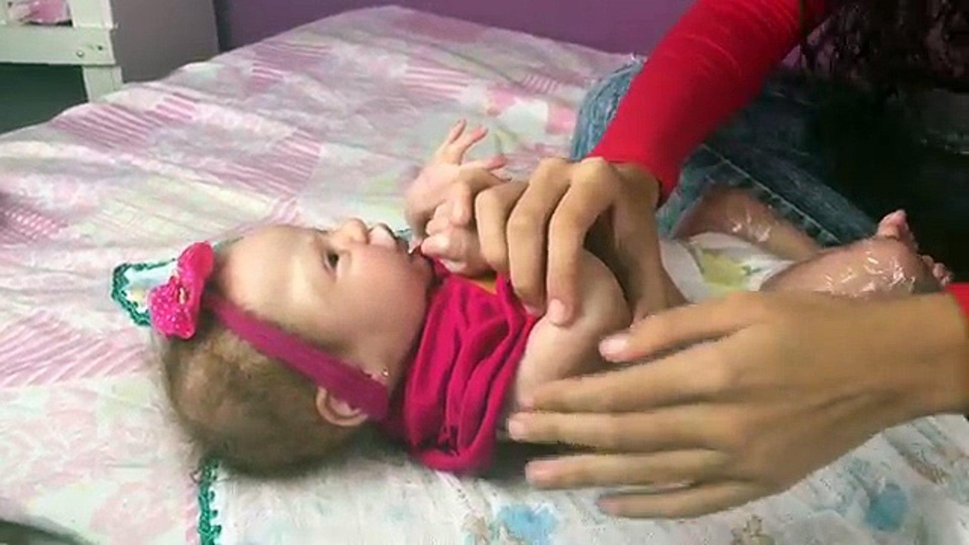 Explosão De Cocô Na Banheira da Minha Bebê Reborn (Poop Explosion) - Gabi Reborn