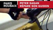 Peter Sagan répare son guidon - Paris-Roubaix 2018