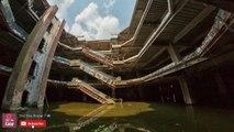 Ce centre commercial abandonné rempli de milliers de poissons