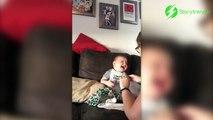 Le fou-rire incroyable de ce bébé quand papa éclate du papier bulle! Trop mignon