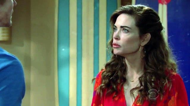 Les feux de l'amour : un meurtre collectif pour Sharon (Sharon Case), Victoria (Amelia Heinle) et Phyllis (Gina Tognoni)?