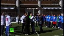 ¿El canciller ruso Lavrov jugando al fútbol con Carlos Bianchi?