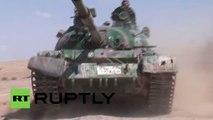 PRIMERAS IMÁGENES: El Ejército de Siria avanza hacia Palmira (EXCLUSIVO DE RT)