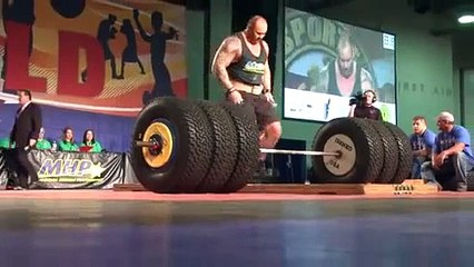 The Mountain from Game of Thrones lifts over 450 kilos - Vidéo dailymotion