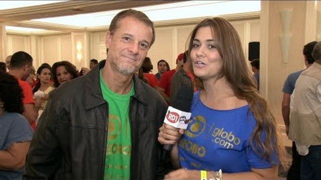 Marcelo Novaes de férias em Miami - Festa de Fim de Ano da Globo Internacional - entrevista