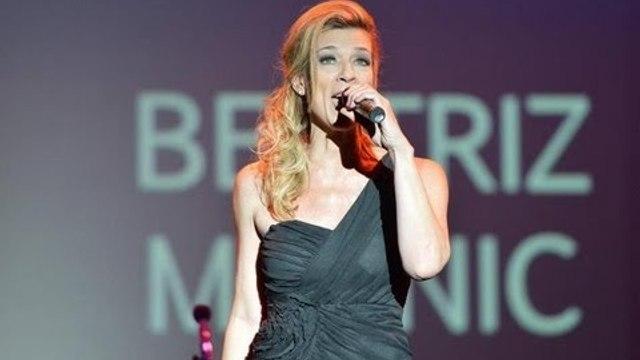 Beatriz Malnic e Brazilian Voices se apresentam no Press Awards 2013