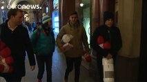 Dos futbolistas se suman a una campaña solidaria con las personas sin hogar en Turín