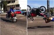Il fait un vol plané en moto après avoir mal négocié ce dos d'âne