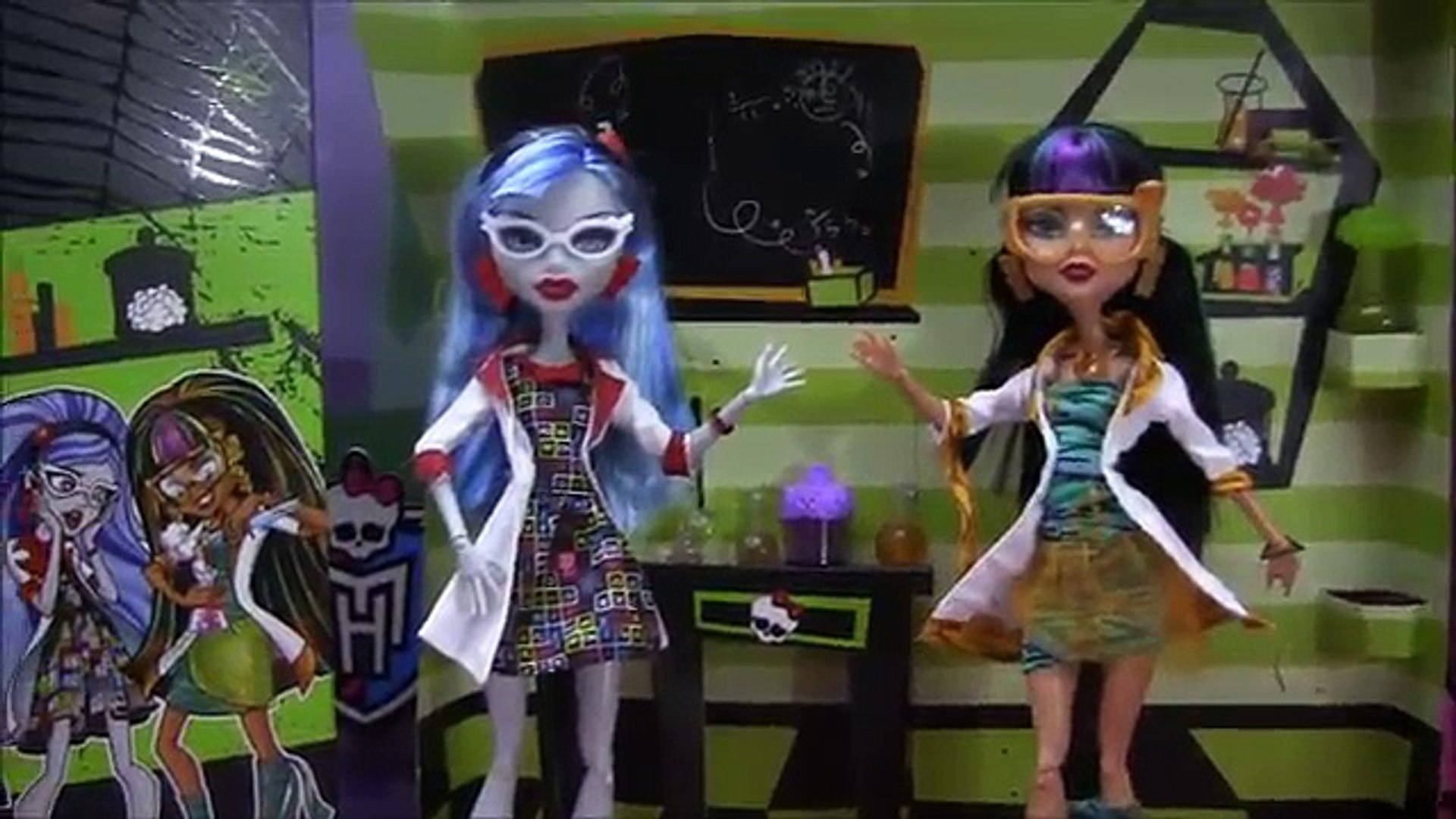 MONSTER HIGH LAB PARTNERS GHOULIA YELPS AND CLEO DE NILE 2 PACK REVIEW VIDEO !!! :D!!