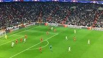 Cenk Tosun'un Benfica'ya attığı gol, UEFA tarafından Şampiyonlar Ligi'nin en güzel golü seçildi!