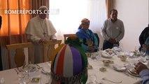 El Papa almuerza con indígenas mapuches