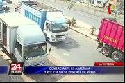 La Victoria: comerciante es asaltada y policía no se percata de robo
