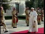 La belleza de Rania protagoniza el viaje del Papa a Jordania