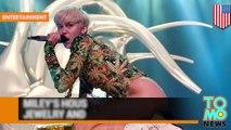Miley Cirus deja la puerta de su mansión abierta y los ladrones se llevan joyas y su Maserati