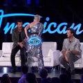 Oups ! Katy Perry craque son pantalon en direct !