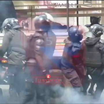 (Vidéos) - Jamais les policiers ne se sont acharnés sur des civiles comme cela, c'est inquiétant au Sénégal