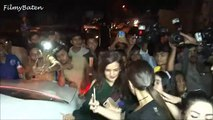 indian actress Sonakshi Sinha_s OOPS MOMENT while sitting in the car.