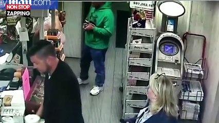 Après avoir été agressée par un voleur, une employée le maîtrise en lui sautant dessus (vidéo)