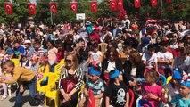 23 Nisan Ulusal Egemenlik ve Çocuk Bayramı Akhisar Ticaret Borsası 6 Eylül Ortaokulunda kutlandı