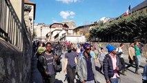 Hautes-Alpes : Le cortège de militants antifascistes arrive à Briançon