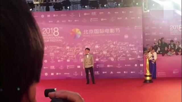 Tô Hữu Bằng cũng tham gia thảm đỏ Liên hoan phim