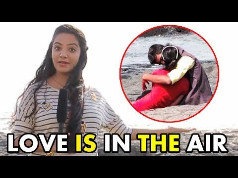 Public On Couples Open Romance in Bandra Bandstand