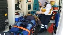 Samsun'da Trafik Kazası! Sağlık Ekipleri Yaralı Sürücüyü Zor Sakinleştirdi