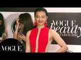 Kabali Actress Radhika Apte At Vogue Beauty Awards 2016 Red Carpet
