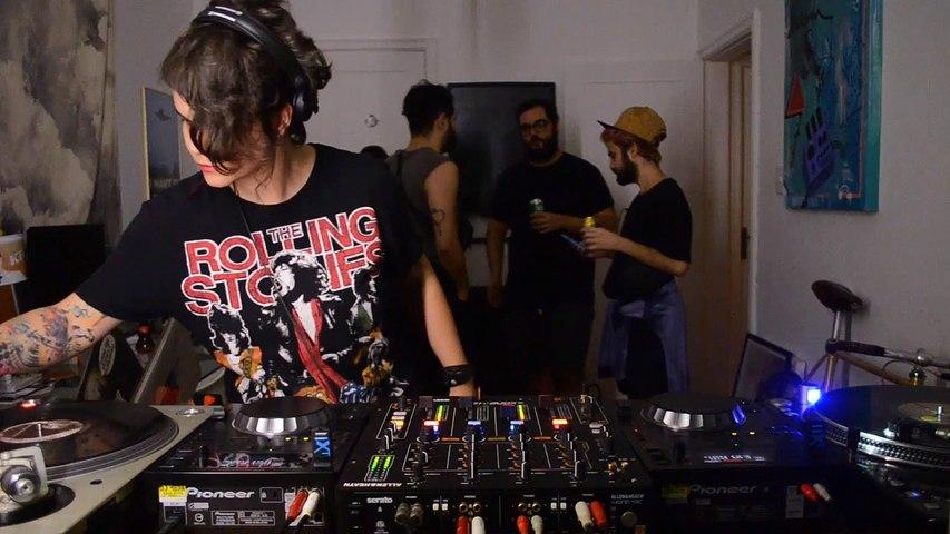 Ella de Vuono DJ Set - Quarto/Fresta