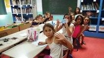 En Direct de la Réunion à la Saline les Bains avec les élèves de l'école Les Filaos qui participent aux ateliers radio et presse de l'AFTRR !