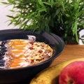 Un smoothie bowl à la pêche par Cookin' Movie ! Bientôt la saison des pêches, notez la recette !