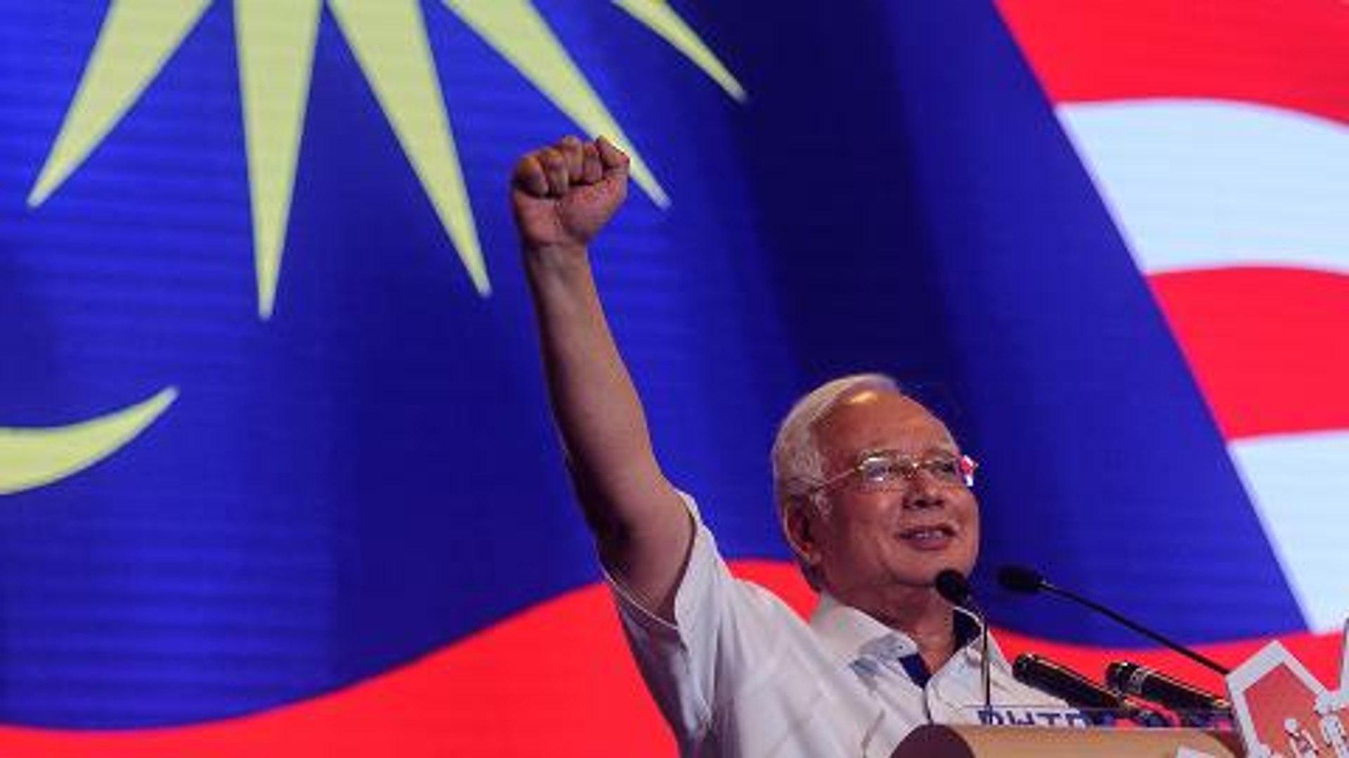 Najib: Minimum wage will be raised if Barisan wins