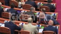 Mblidhet për herë të parë parlamenti i ri