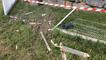 Accident : un véhicule s'encastre dans la grille d'une concession auto