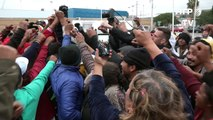 Primeiros solicitantes de asilo entram nos EUA