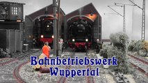 Bahnbetriebswerk Wuppertal Modellbahn in Spur 1 - Ein Video von Pennula zum Thema Modellbahnanlage und Modelleisenbahnausstellung