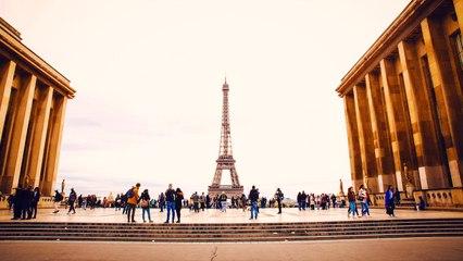 Paris loves you ...