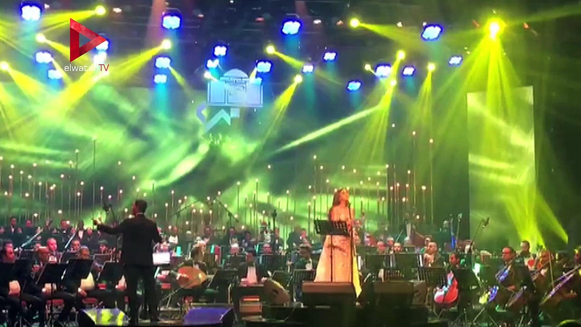 أنغام تشدو في حفلها الغنائي بالأوبرا