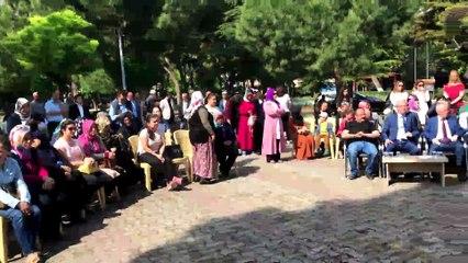 Akhisar Halk Merkezi yıl sonu sergileri Parkiçi Belediye Düğün Salonunda açıkldı